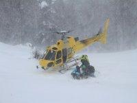bajando del helicoptero