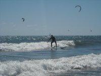 练习与我们冲浪