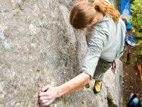 Ascendiendo la via de escalada