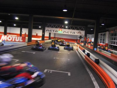 Karting Indoor Plaza