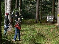 在森林射箭比赛