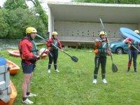 Briefing en la actividad de kayak