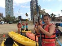 Kayaks en el puerto de Barcelona