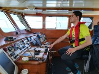 En el panel de mandos del barco
