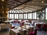 Restaurante con cristaleras