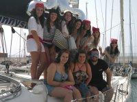 告别湾海盗打扮船