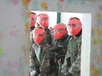 Jugadores con mascara color rojo