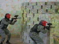 Disparando tras el muro