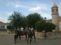 Con los caballos en la plaza de Arisgotas