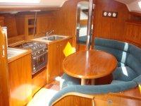 Salon interior del barco