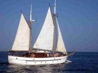 Goletta classica a vela