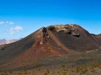 Pedaleamos a traves de formaciones volcanicas