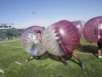 Partido de futbol burbuja en Cadrete