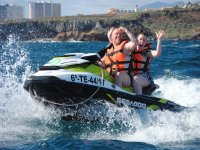 摩托艇游览从波多黎各科隆悬崖共享滑水