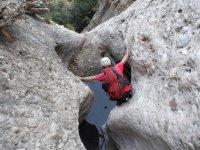 铁索攀岩在红运河