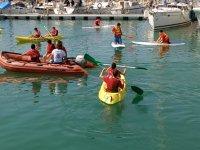Monitores con el club de kayak