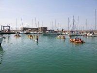 Salida de kayak y sup entre barcos