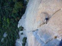 在半路上登山运动在蒙特塞拉特
