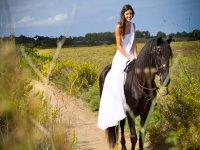 Saliendo a caballo desde el sendero