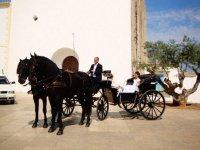 Novia en carro en Formentera
