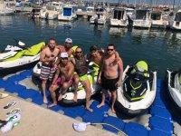 Amigos con las motos nauticas en Badalona