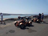 Descanso con los quads para ver el oceano