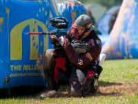 Apunta y dispara en el Paintball