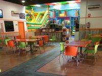 Mesas para celebraciones y adultos