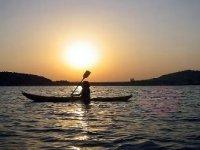 Fai pratica di canoa a Granada