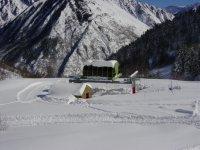 鉴于滑雪学校的滑雪远