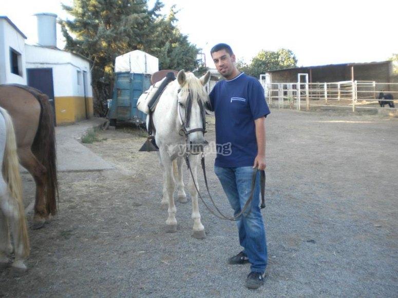 在巴达霍斯骑马课程