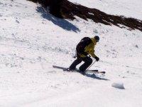 Practicando esqui freeride