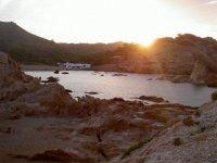 在美丽的海滩日落神奇的