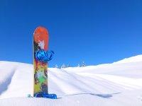 Snowboard en la nieve