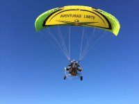 Volando en paratrike biplaza en Cordoba