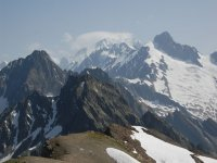 montañas lelnas de nieve