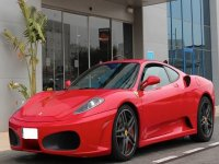 Ferrari en puerta
