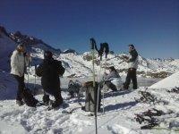 Raquetas de nieve en la zona del ibon de Estanes