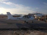 Avion en tierra