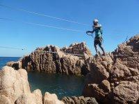 绳索,岩石和海洋