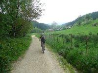 De espaldas con bicicleta