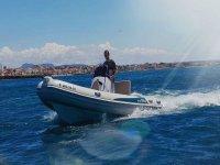 Navega tu mismo por el Mediterraneo