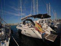 la barca è pronta nel porto di Valencia