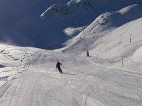 学习滑雪级的滑雪