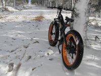 Paisaje nevado para el ciclismo
