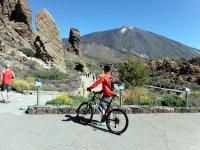 Viendo el volcan desde la bici