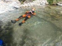 Tumbado岩石河床