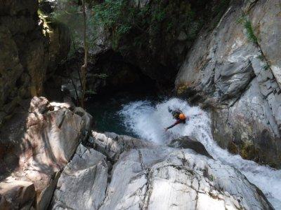 Asdon Aventura Pirineos Barranquismo