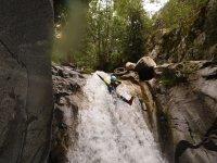 河在韦斯卡瀑布河幻灯片