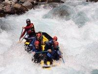 Bajando las aguas del Ara en rafting